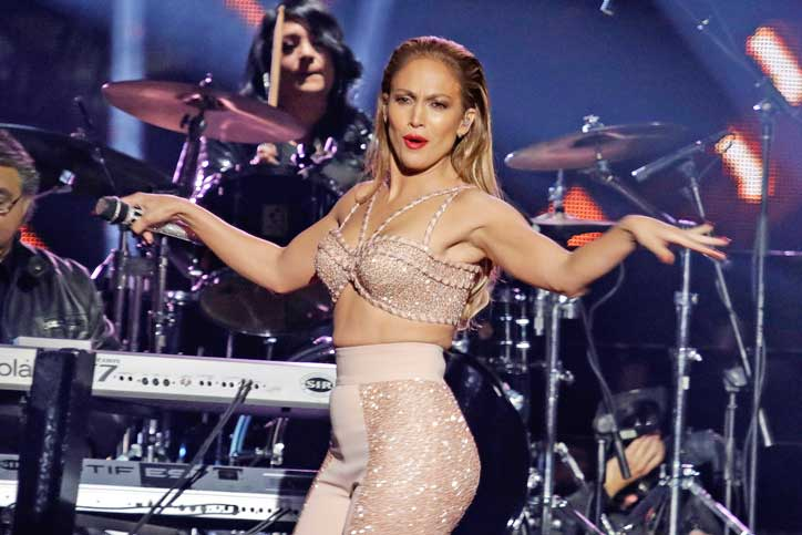 2015-latin-billboards-jennifer-lopez-tribute